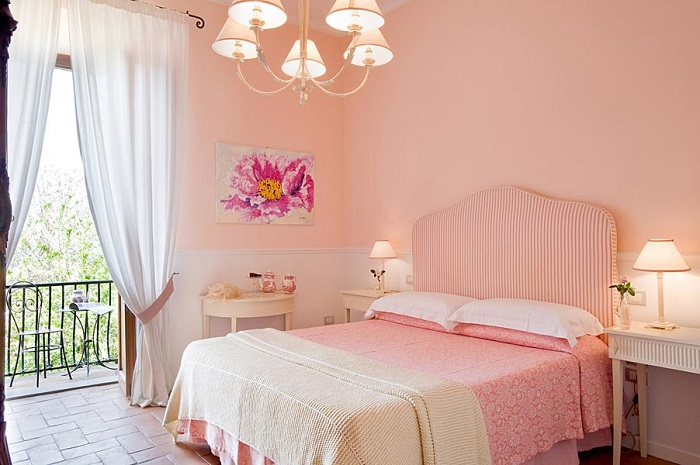 room painted in pink with pink accessories