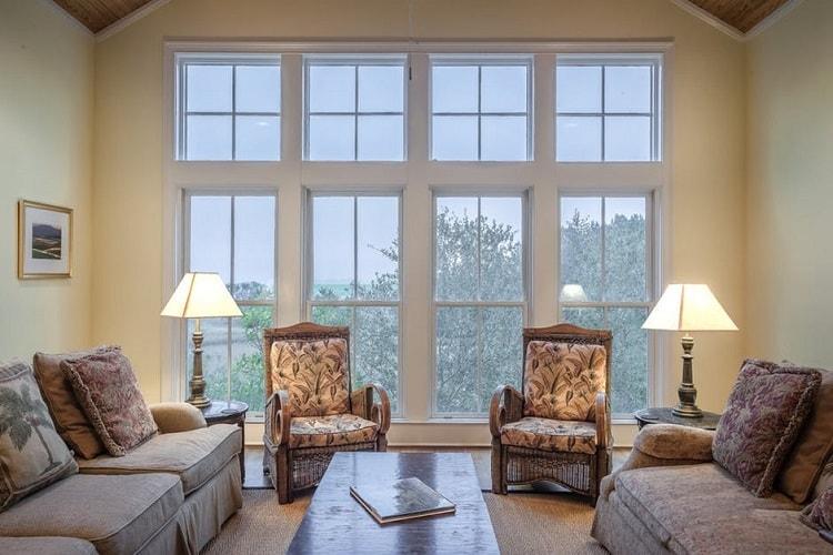 classic elegant living room