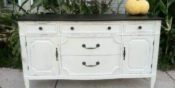 9 Steps to Refurbishing Old Furniture