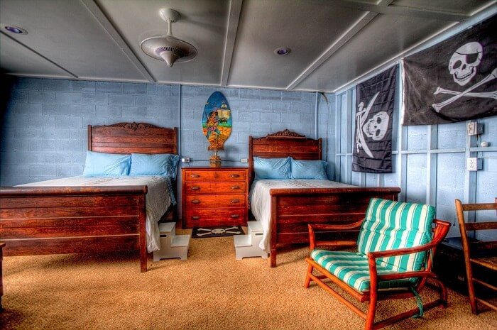 pirate themed teenage bedroom
