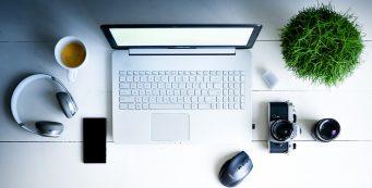 A Match Made in Work Heaven: Feng Shui Office Desk